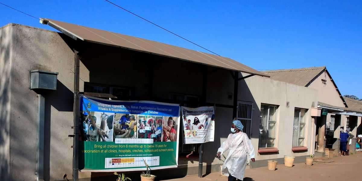 Africa Zimbabwe orders COVID-19 vaccination for all civil servants